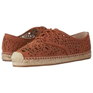 NEW VINCE CAMUTO Suede Espadrilles